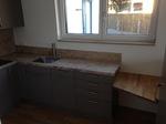 Küche mit einer Granit Spüle